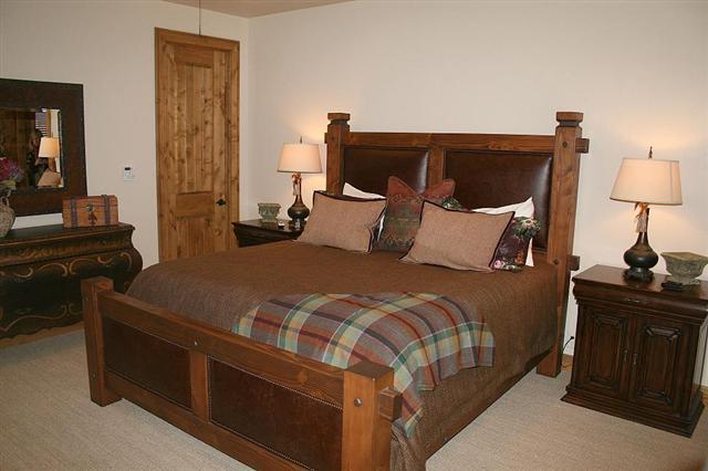 Bradley\'s Furniture Etc. - Rustic Lodge Bedroom Collection