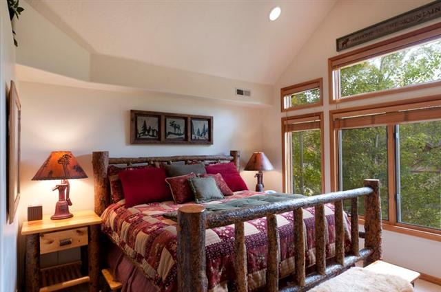 Barnwood Bedroom Sets